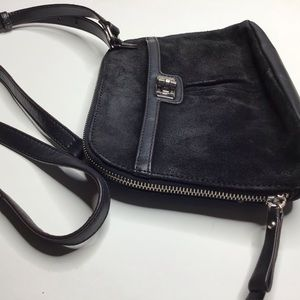 B. Makowsky Black Leather small Crossbody bag